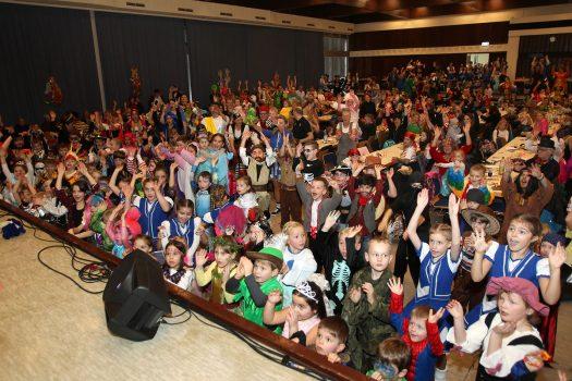 Kinderkarneval in der ausverkauften Aula des Bielsteiner Schulzentrums - Foto: Christian Melzer