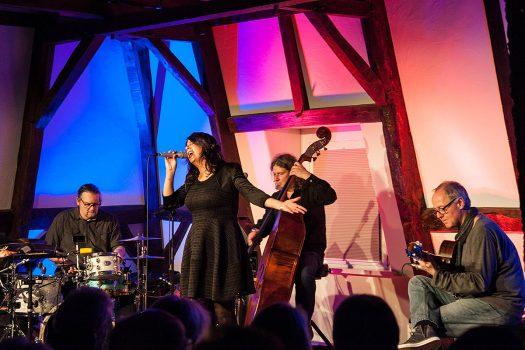Sie zündeten ein Jazz-World-Music-Fusion-Feuerwerk mit viel Latin-Jazz im Burghaus: Hotel Bossa Nova. Foto: Vera Marzinski